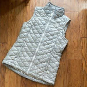 North Face ❄️ Thermoball Silver Vest